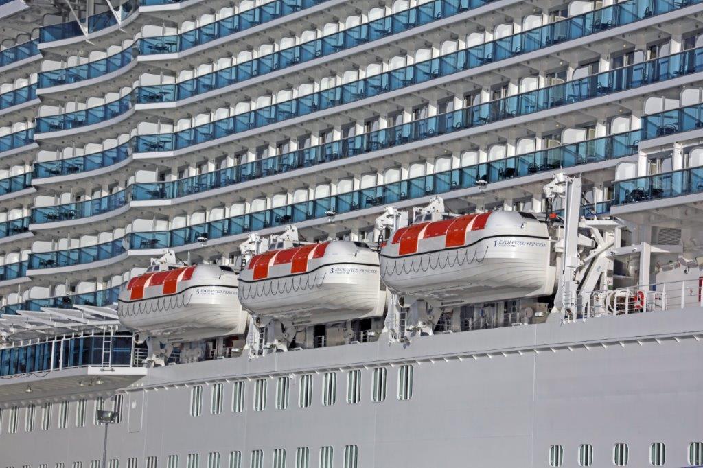 semi gravity davits navim cruise vessels