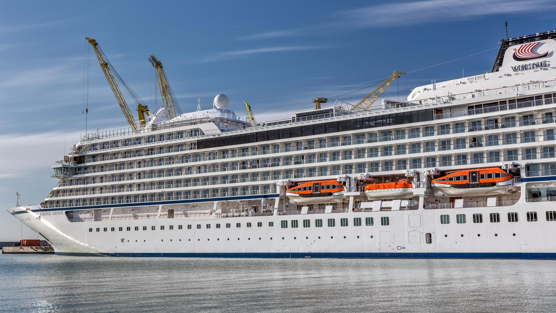 davits and winches cruise vessel navim group