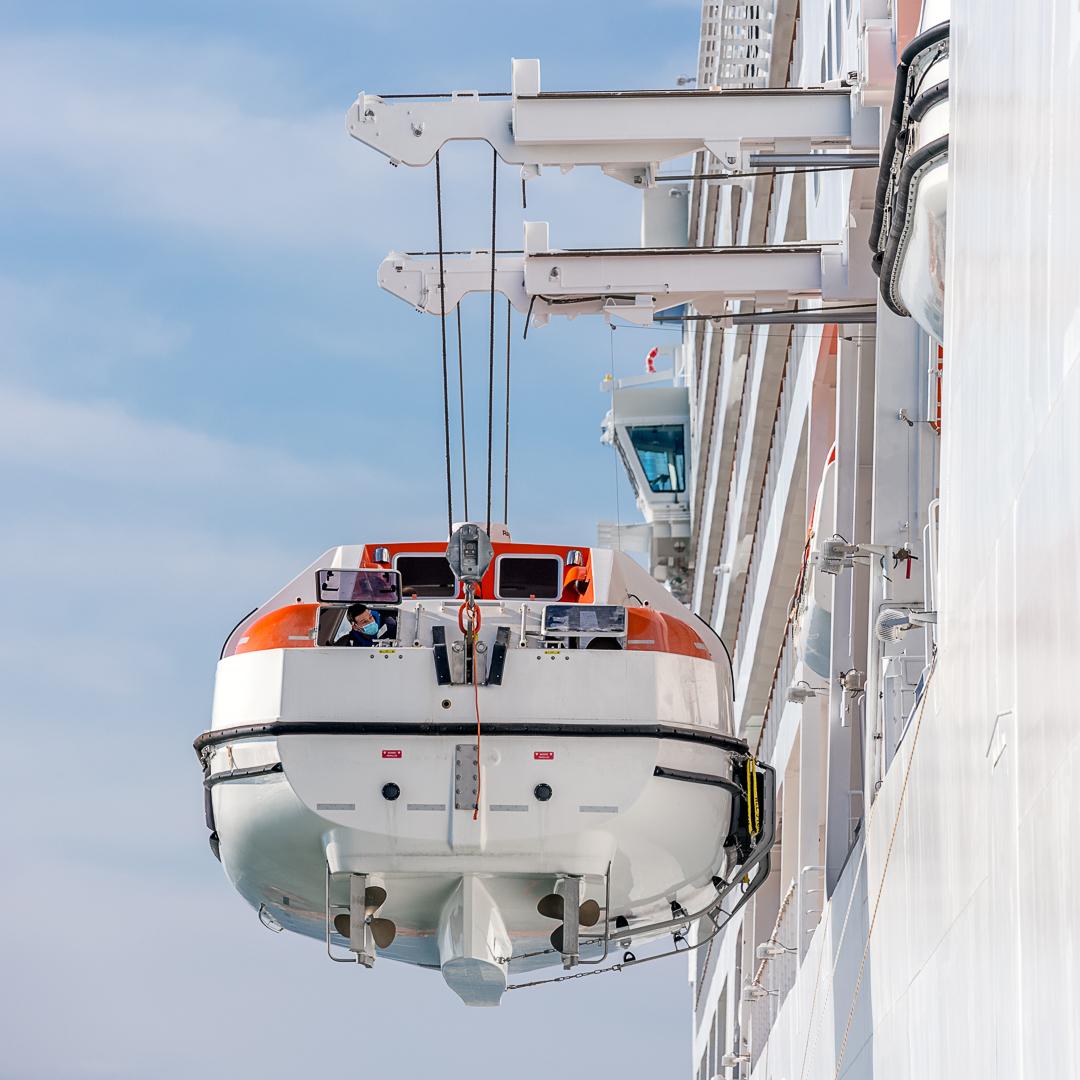 telescopic davits cruise vessel navim group